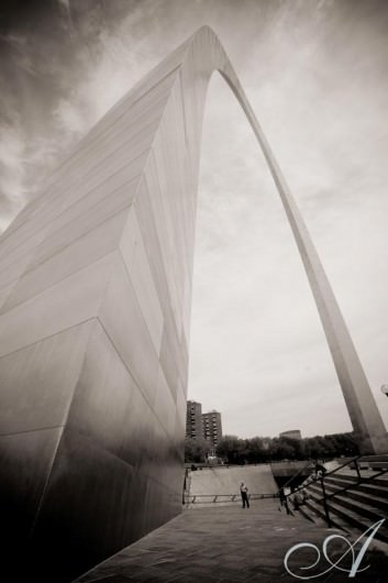 emily-and-erik-wedding-St. Louis Arch- background for Emily and Erik's wedding