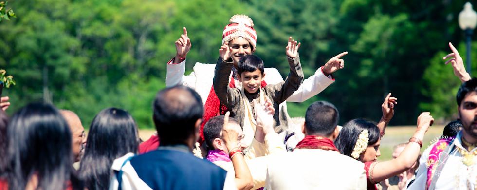 Indian Pond Club Wedding: Grand Entrances