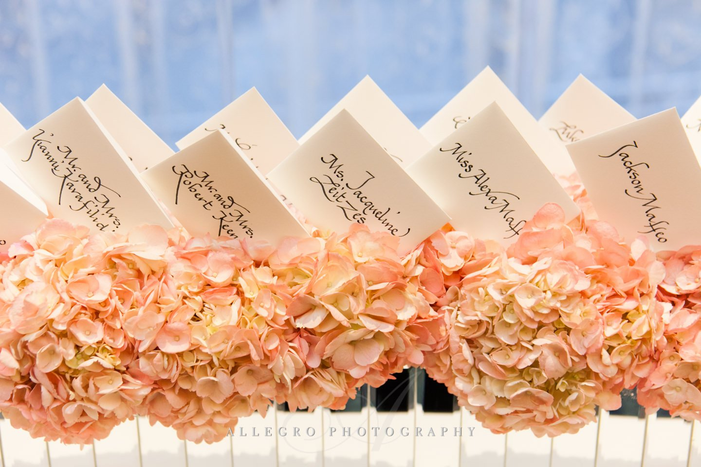Escort card floral hedge by gregory costa st john at flou(-e)r- photo by allegro photography