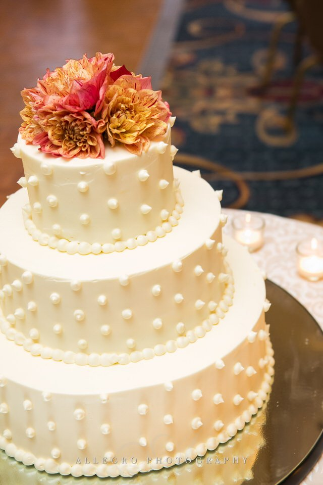 wedding cake photo by Allegro Photography