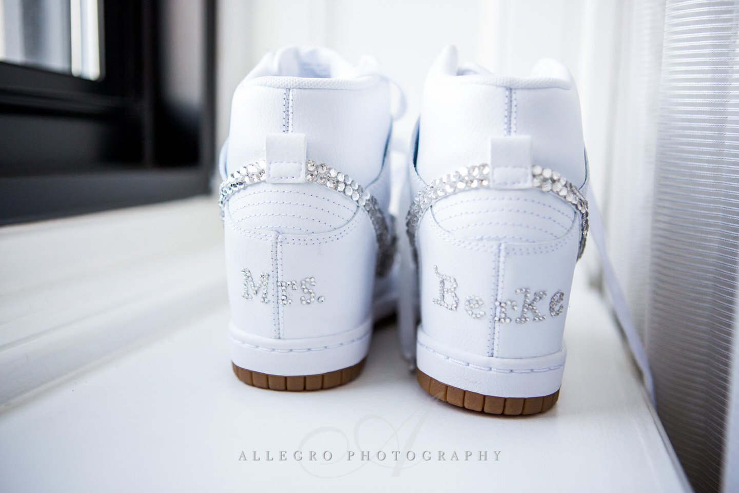wedding shoes photo by Allegro Photography