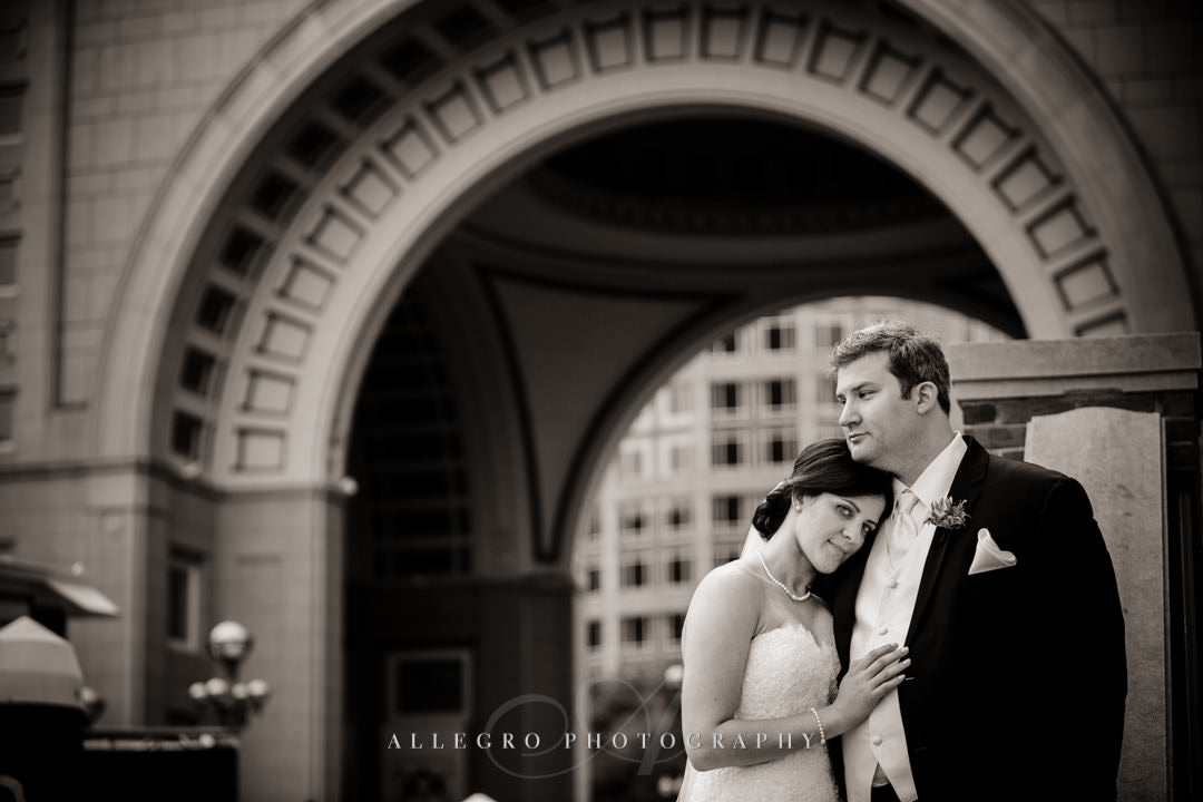 downtown boston bride and groom - photo by allegro photography