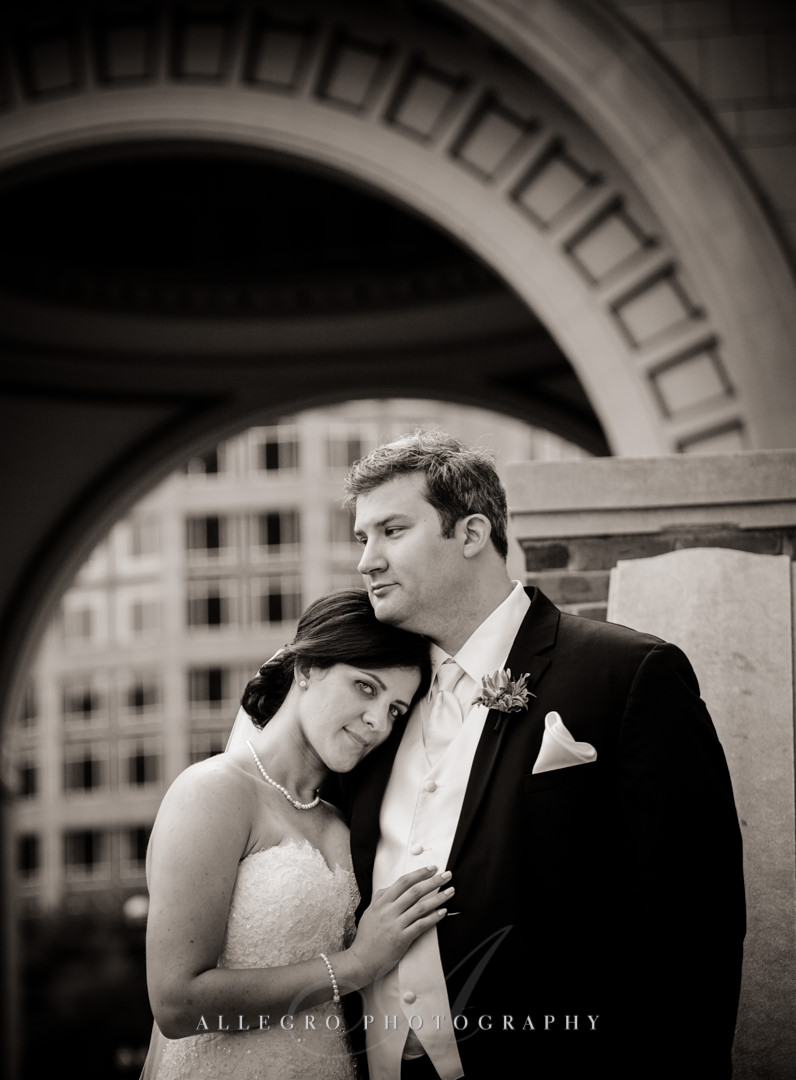 downtown boston wedding snuggles - photo by allegro photography