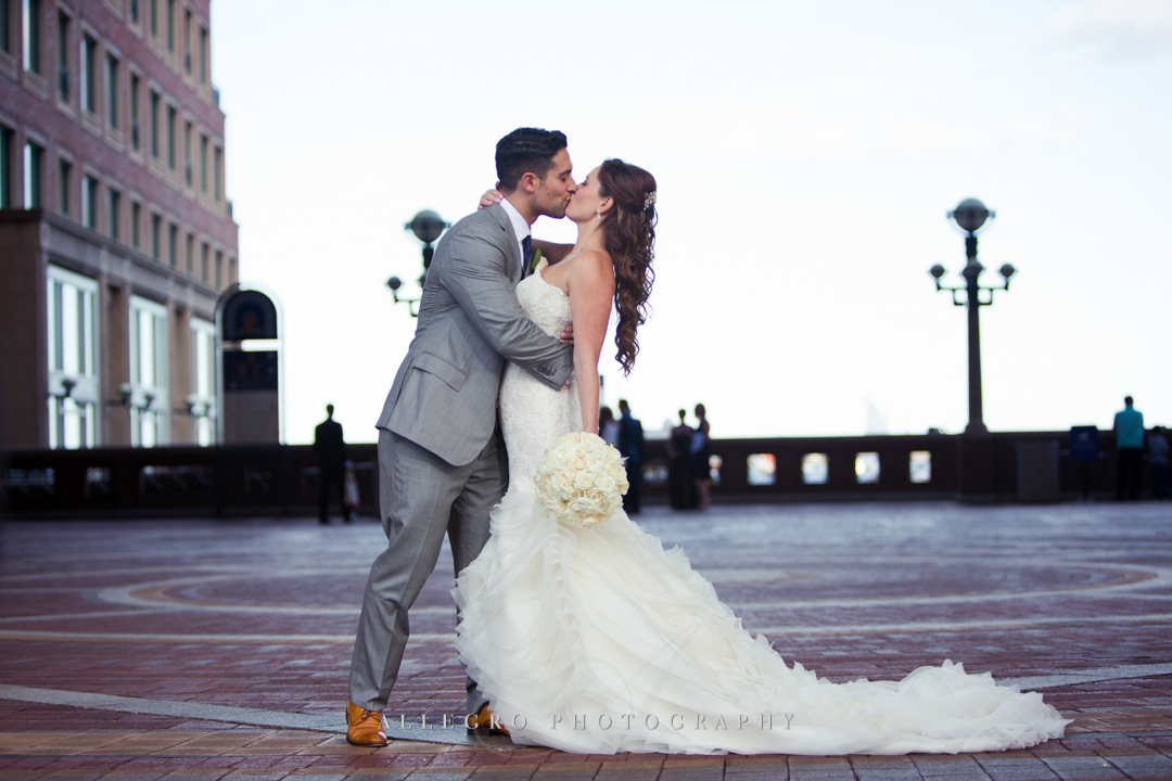 dramatic wedding kiss downtown boston - photo by allegro photography
