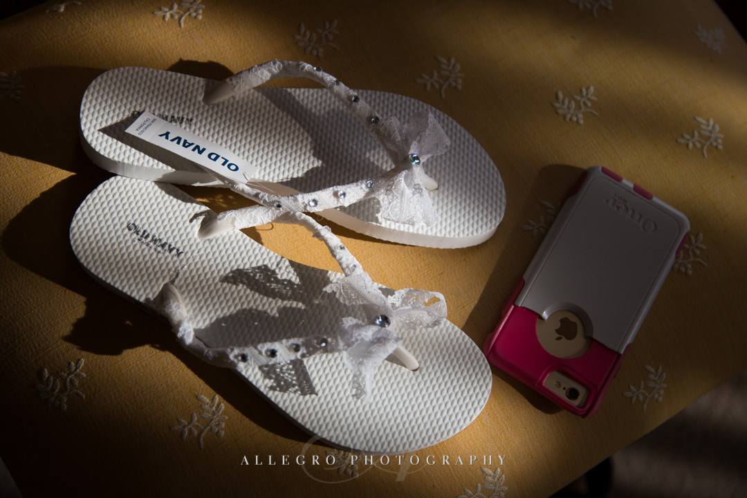 wedding dancing shoes - photo by allegro photography