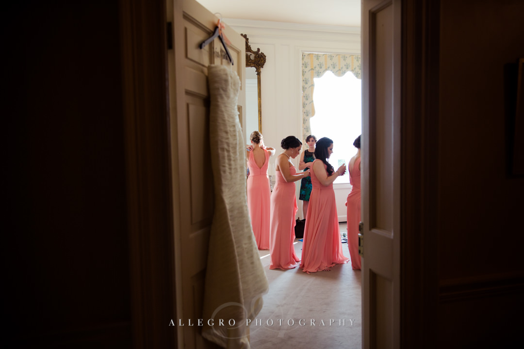 crane estate bride getting ready - photo by allegro photography