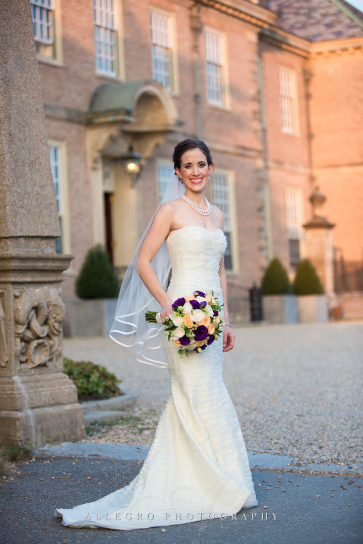 bridal portrait at the crane estate - photo by allegro photography