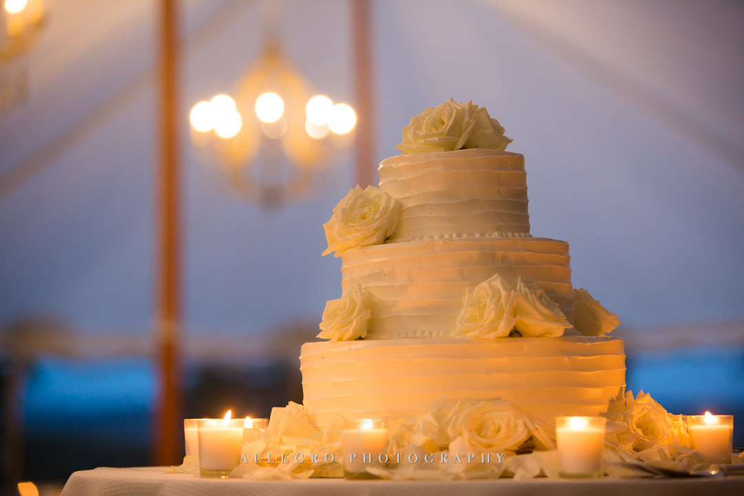 classic wedding cake at the crane estate - photo by allegro photography