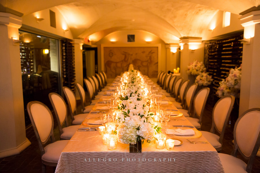 intimate wedding reception at moo restaurant in boston - photo by allegro photography