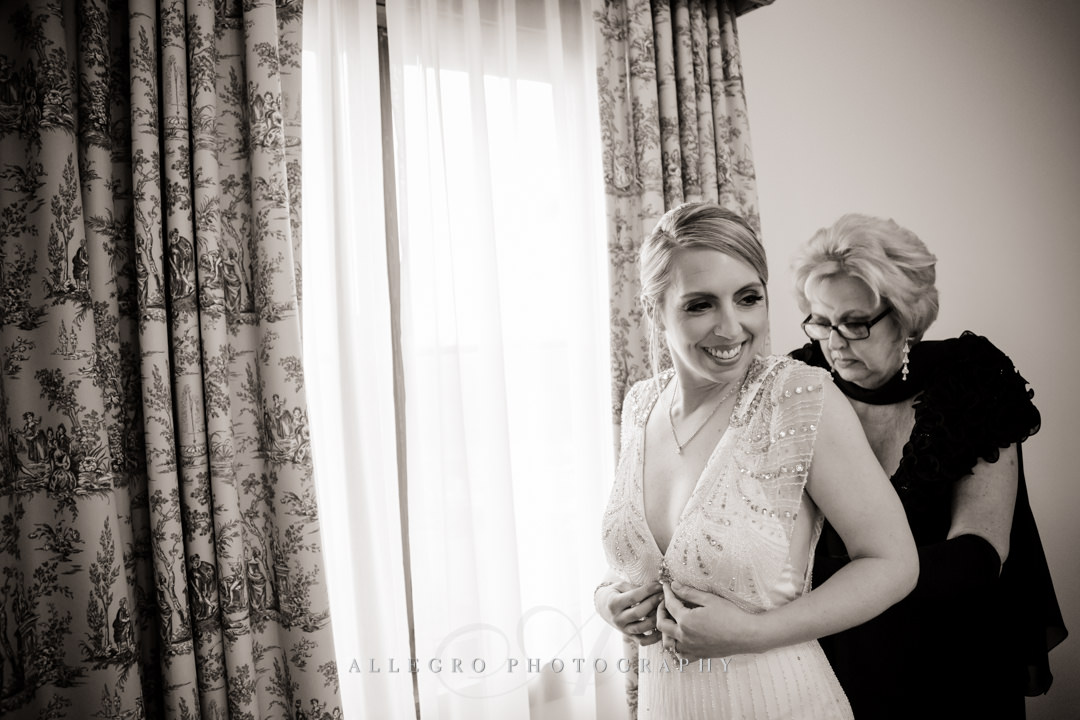 bride getting ready at at mirbeau inn & spa - photo by allegro photography