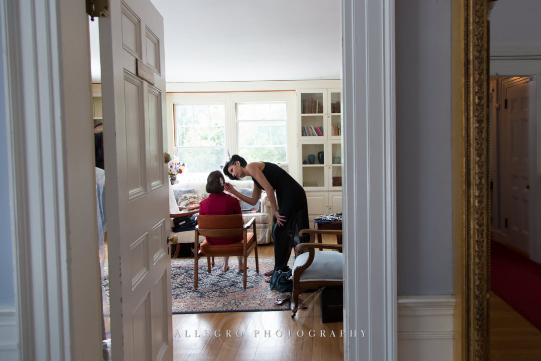 getting ready at the pierce house - photo by allegro photography