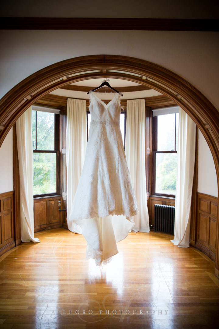 wedding dress at the stevens estate - photo by allegro photography