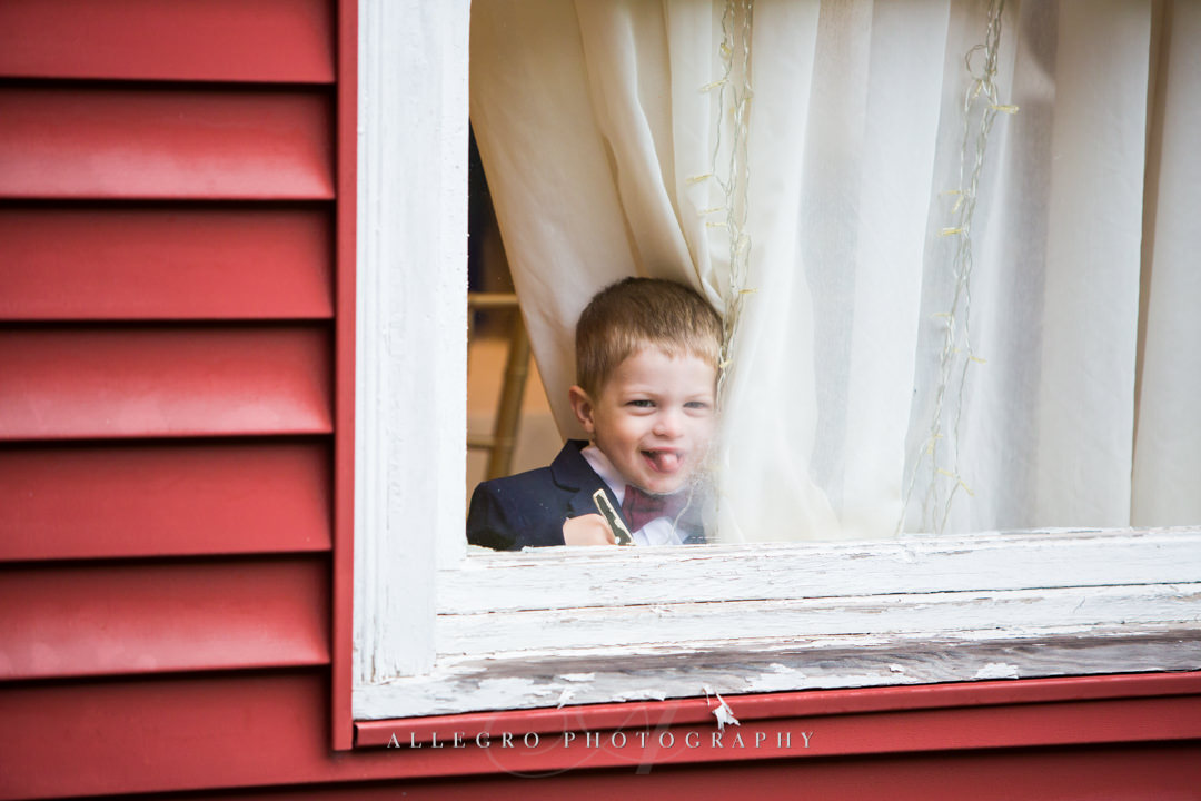 little boy at stevens estate wedding - photo by allegro photography