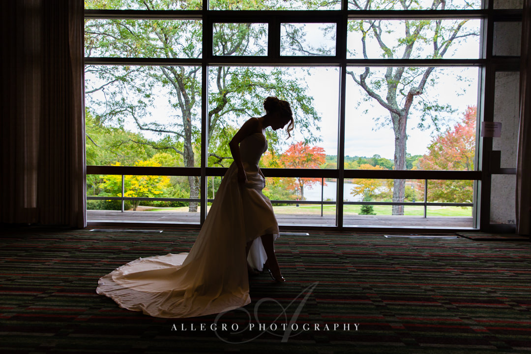 bridal portrait at the wellesley college club - photo by allegro photography
