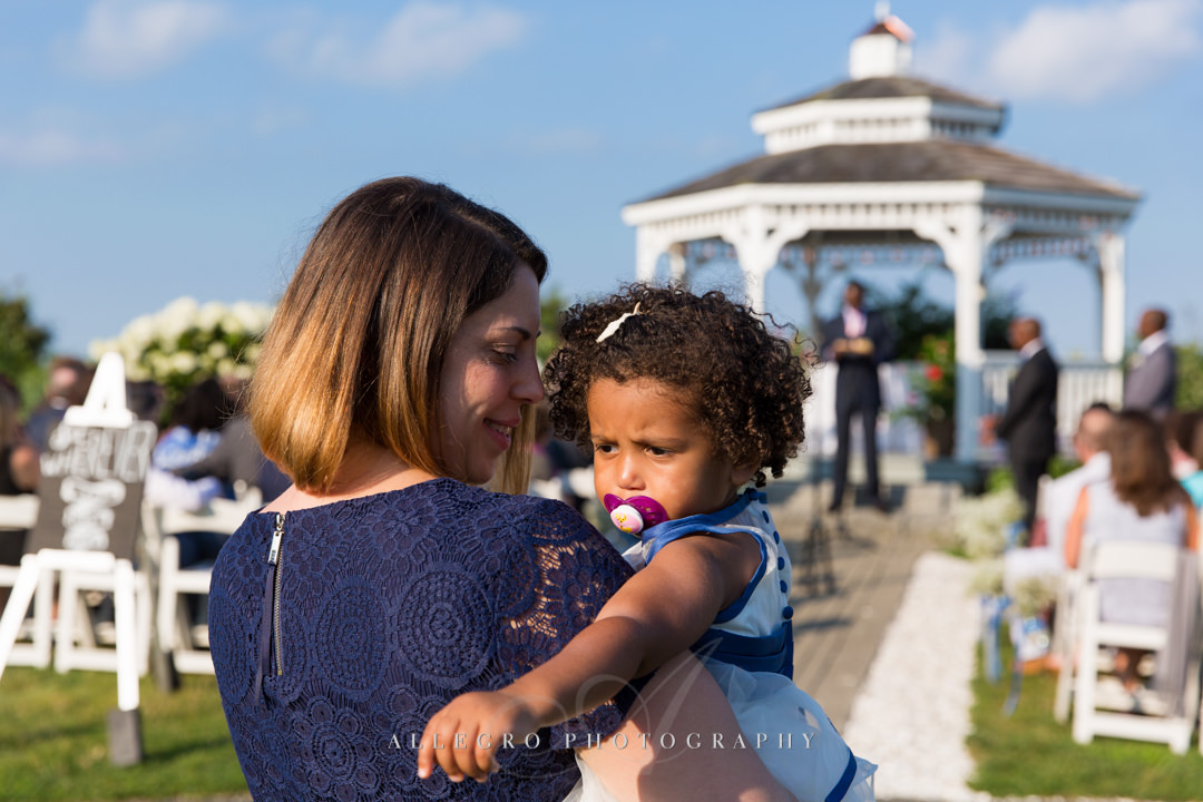 adorable cape cod wedding guest - photo by allegro photography