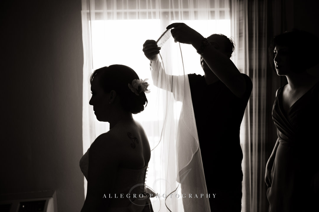 bride getting ready - photo by allegro photography