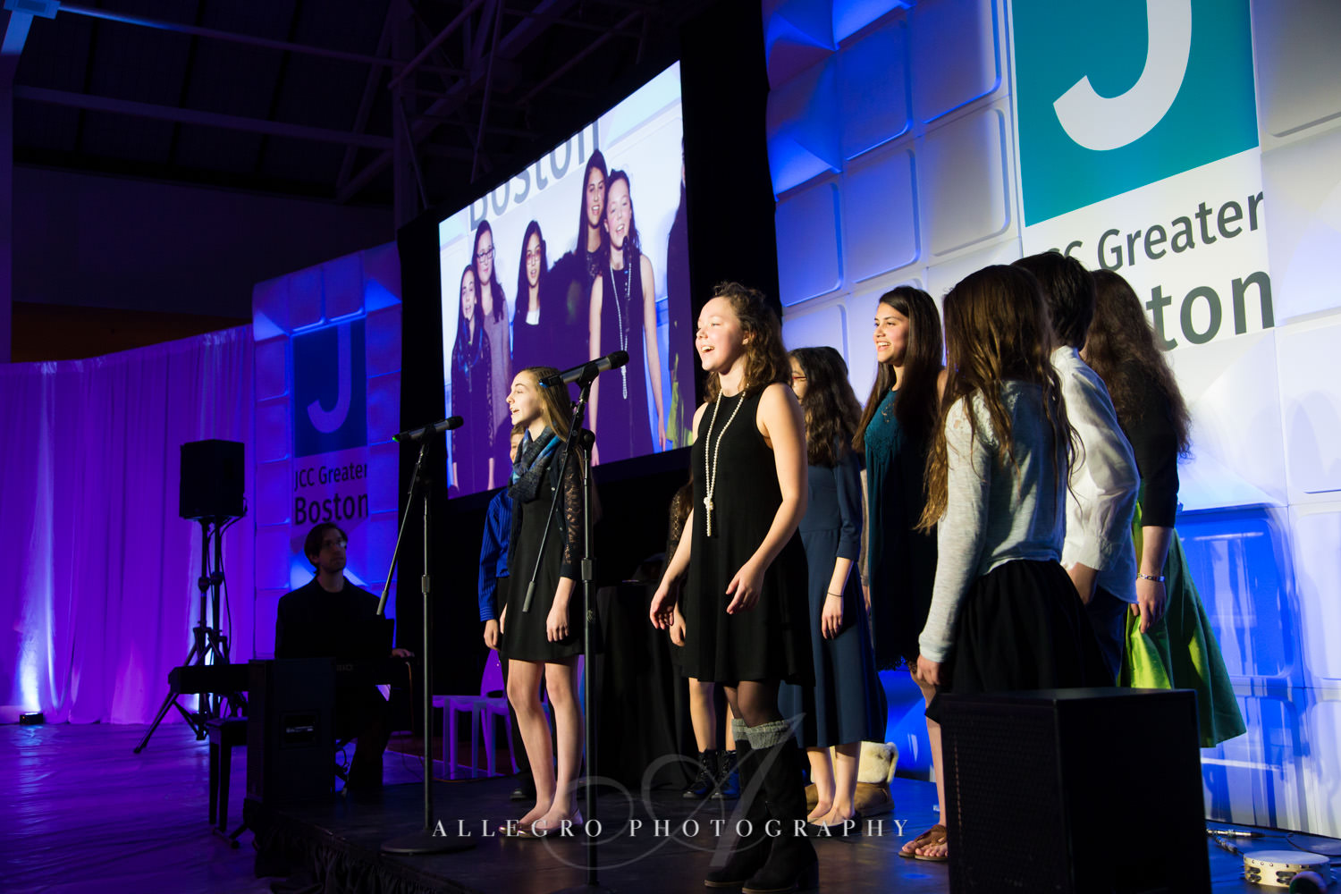 Children singing at nonprofit event photographed by Allegro Photography