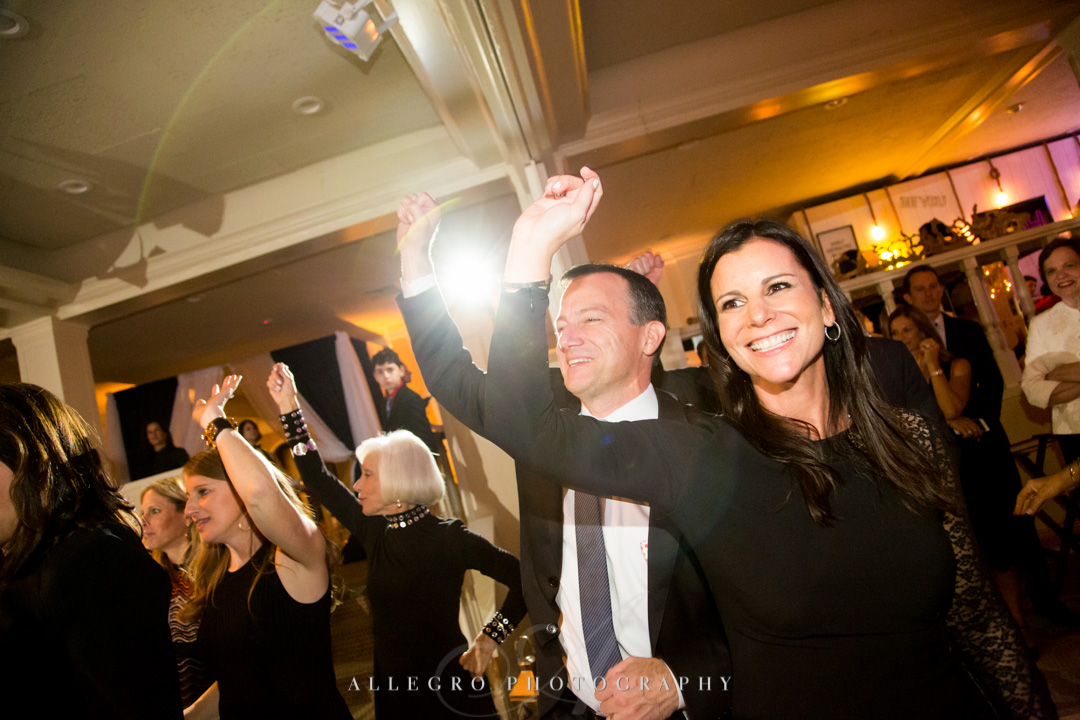 Allegro Photography bat mitzvah mom and dad rocking at pinebrook golf