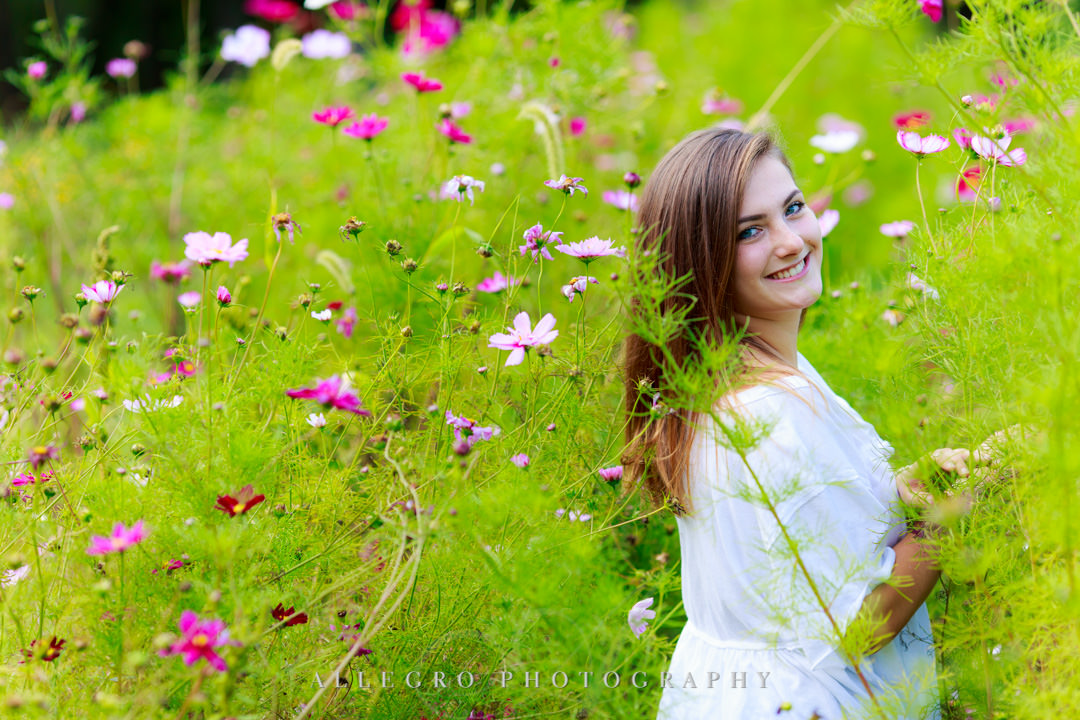 allegro photography senior photos- watch out for bees
