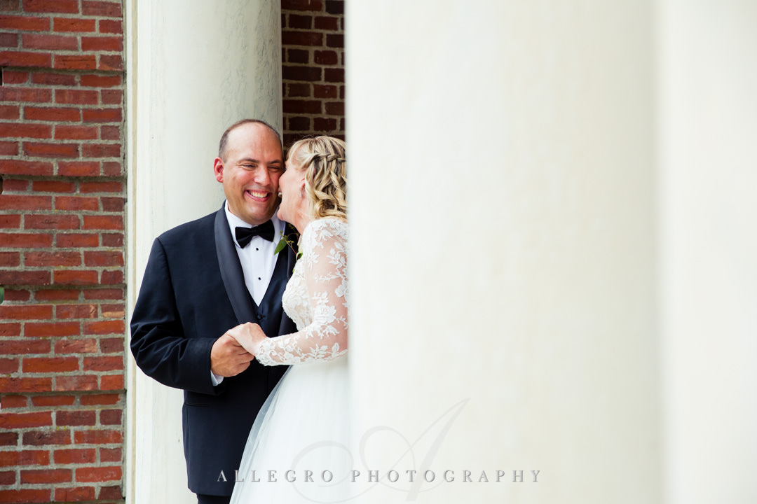Wedding couple outside | Allegro Photography
