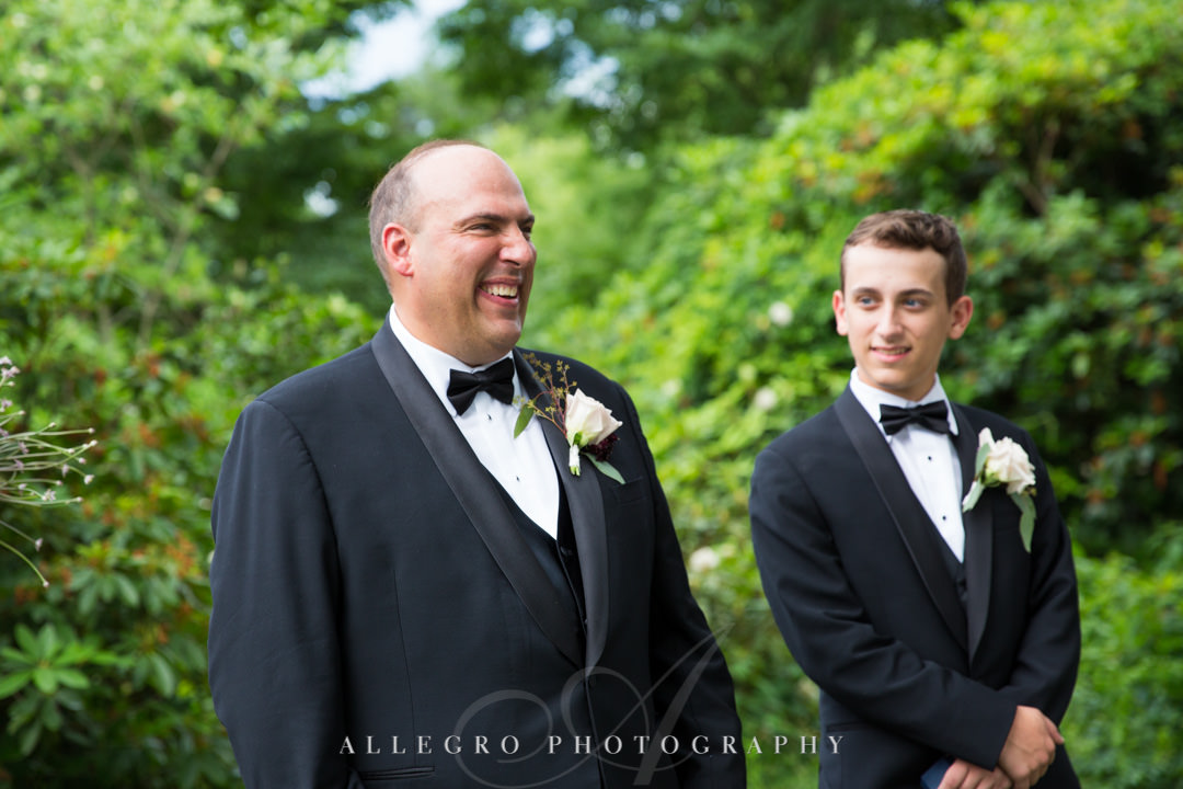 Groom seeing his bride walk down the aisle | Allegro Photography